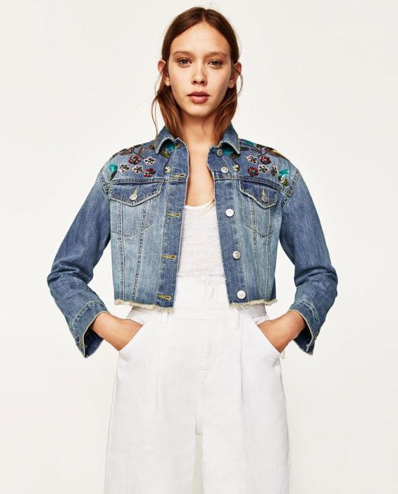 Зара джинсовые куртки с вышивкой 40